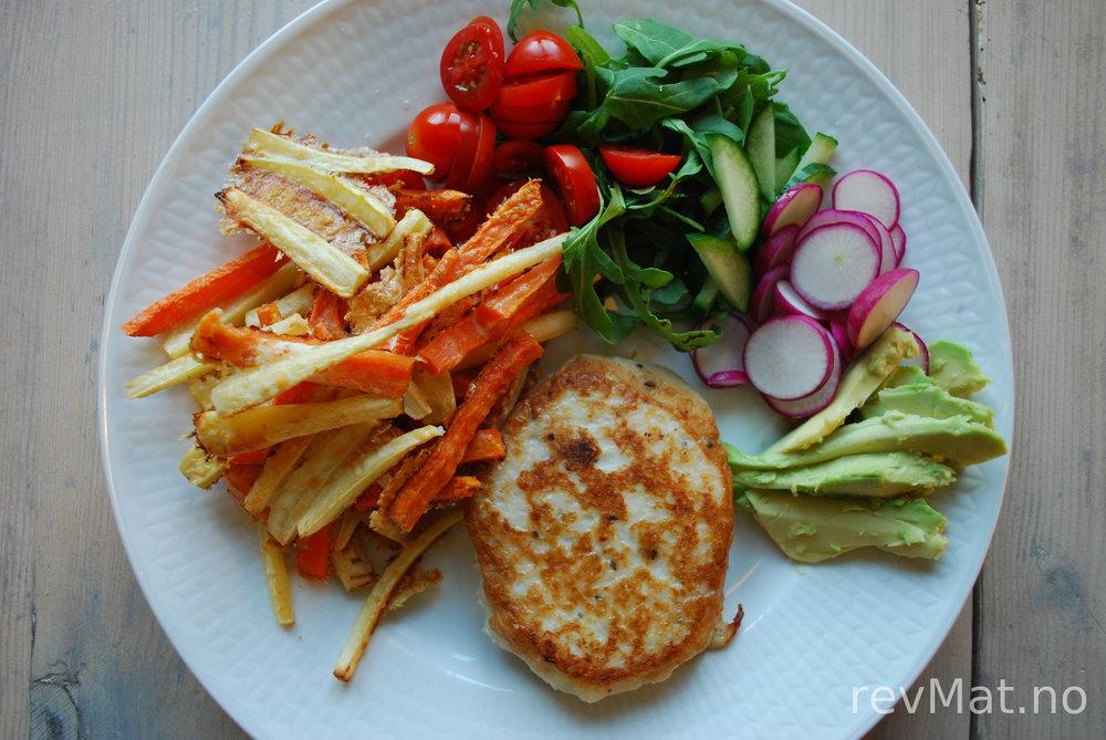 Grønnsaksstaver på tallerken.jpg