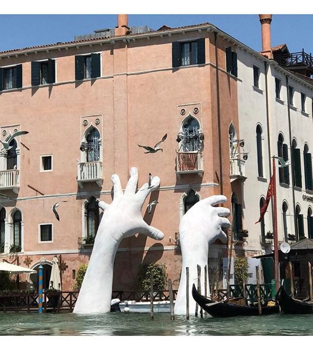 "Amazing installation ""Support"" fm Lorenzo Quinn highlighting the threat to the glorious city of Venice due to climate change. #venicebiennale2017 #lorenzoquinn"