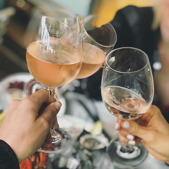 Yesterday marked my 17th motherless Mother's Day. As the years go by, more and more friends sadly join the motherless daughters club. Life isn't always rosé, but that's what your best friends are for! @katiejoythiele @lindshubbs 😘❤️👭 #lifeisntalwaysrosé #lovemyfriends #mothersday #roséseason // @ledistrict @brookfieldplny