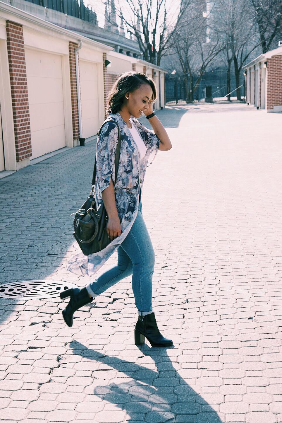 Kimono: Urban Outfitters / Top: H&M / Jeans: UO Surplus / Boots: Zara / Bag: Aldo / Watch: Shinola