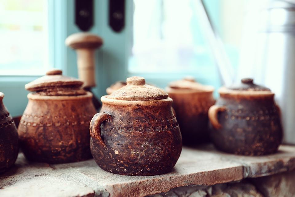 Tri lu  kne ceramics