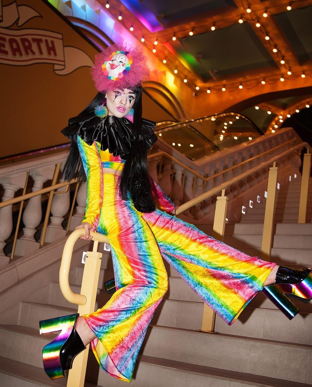 clownngirl.jpg