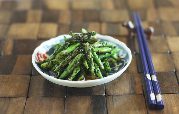 Asparagus with Black Sesame