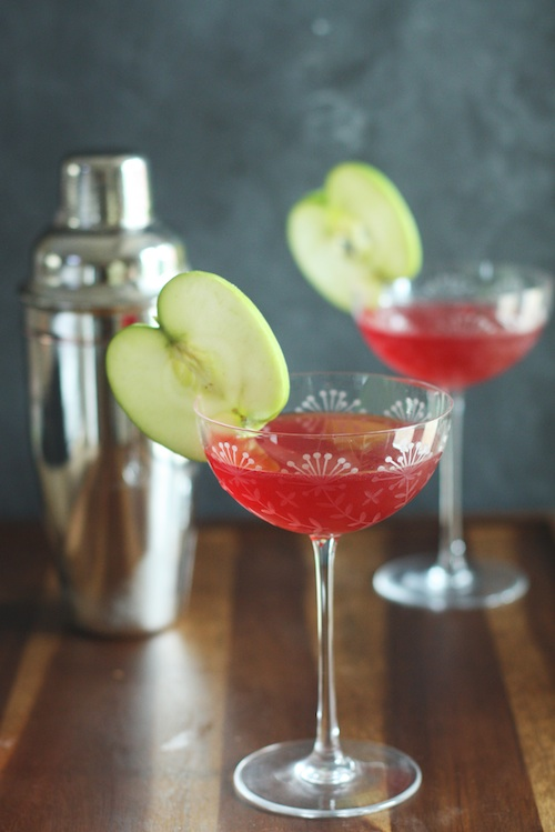 Spiced Apple & Cranberry Cocktail :: Set the Table