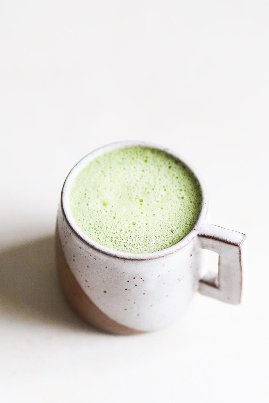 Perfect Matcha Latte | Set the Table #matcha #latte #recipe #cashewmilk #dairyfree #refinedsugarfree #maplesyrup #greentea