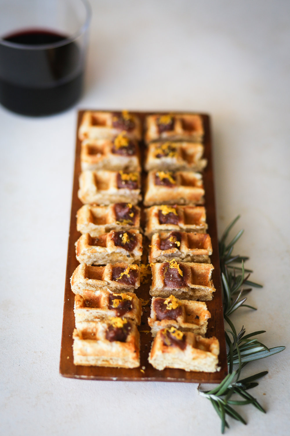 Rosemary Apple Butter Waffle Bites | Set the Table #thanksgiving #thanksgivingappetizer #thanksgivingrecipe
