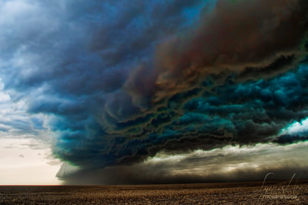 Storm Chasing 001.jpg