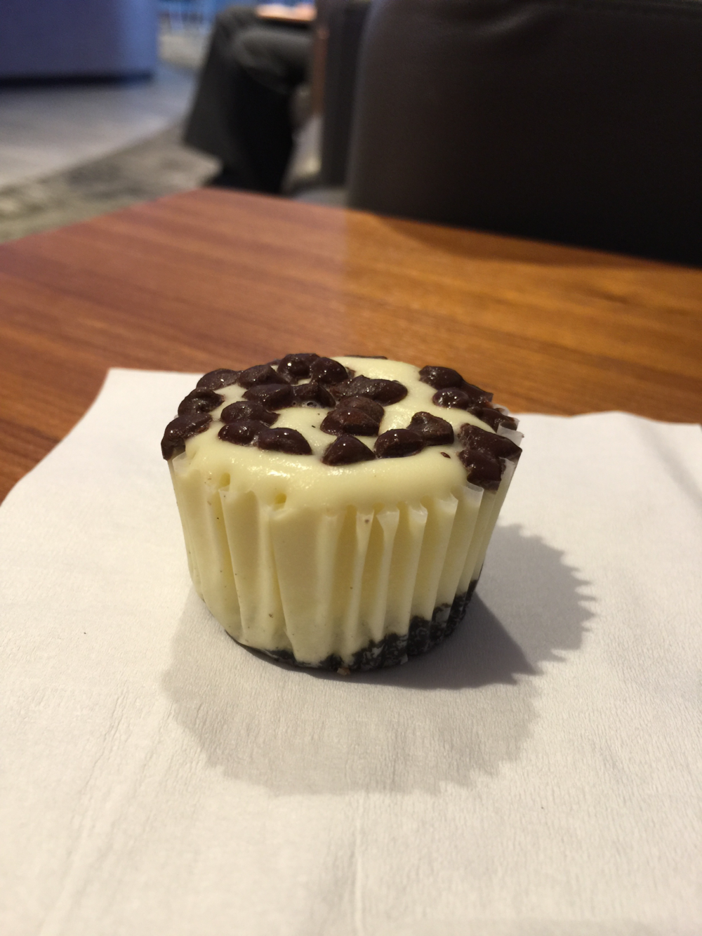 An employee offered mini cheesecake bites (click to enlarge)