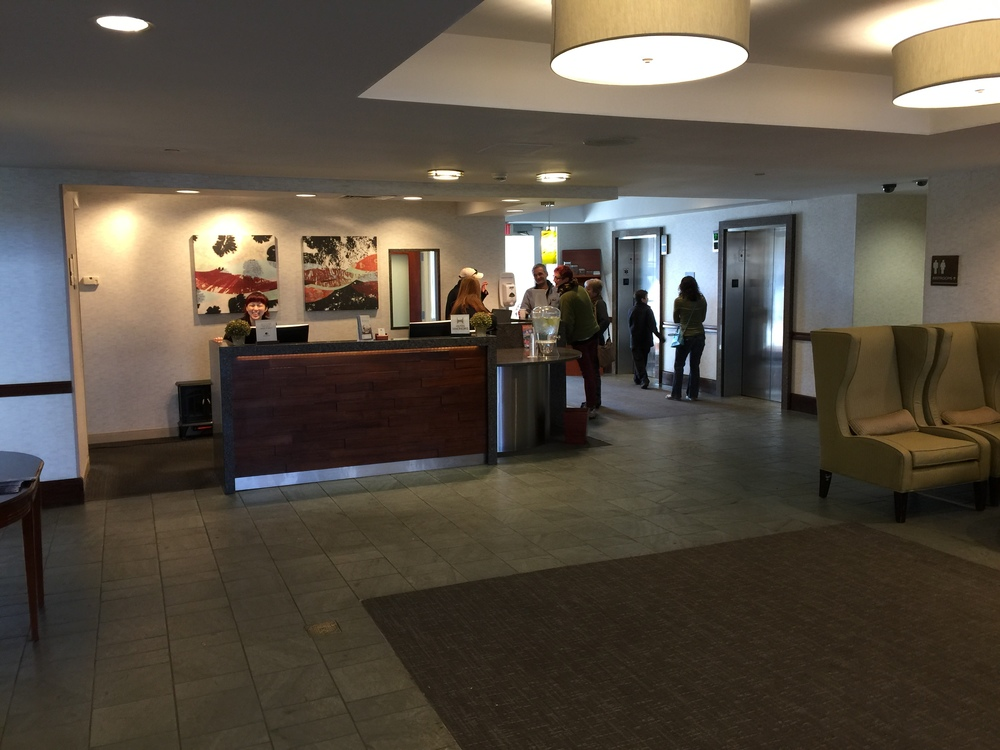 DoubleTree Club front desk  (click to enlarge)