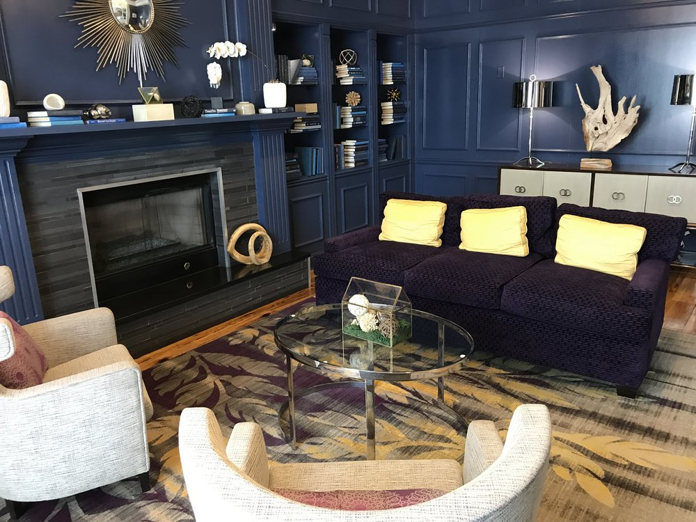 """""""Library"""" sitting area just off the main lobby - my favorite amenity!  (click to enlarge)"""