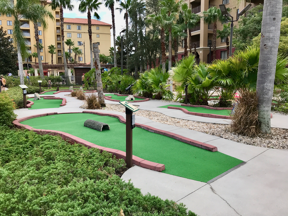 Miniature golf  (click to enlarge)
