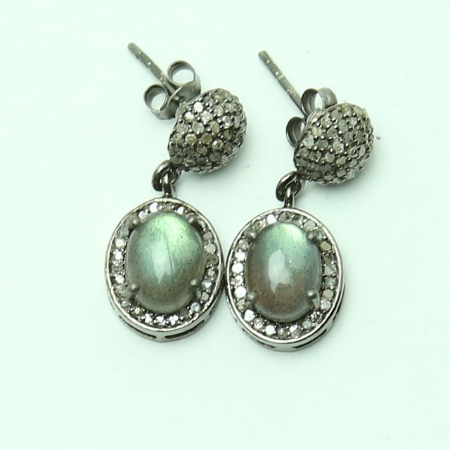 Love this diamonds cabochon labradorite earrings an everyday look! To order email. Maisonbettinaduncan@gmail.com