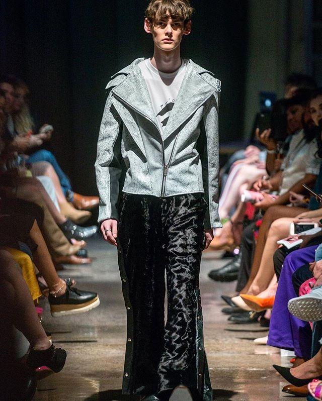 CRACKLE LEATHER MOTO + LUXE SNAP OFF PANT.  VEHEMENT SS17 AT ENVISION SPRING 2017. @jlrsn @ignitemodels #FOF #FORMOVERFUNCTION #UNISEX #ONESEX #TEXTURE #FASHION #DESIGN #RTW #DESIGNER #VEHEMENT #SS17 #mnfashionweek #design