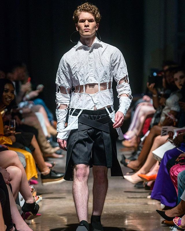 DECONSTRUCTED BUTTON UP + DOUBLE CROSS SHORT. VEHEMENT SS17 AT ENVISION SPRING 2017. @jlrsn @ignitemodels #FOF #FORMOVERFUNCTION #UNISEX #ONESEX #TEXTURE #FASHION #DESIGN #RTW #DESIGNER #VEHEMENT #SS17 #mnfashionweek #design