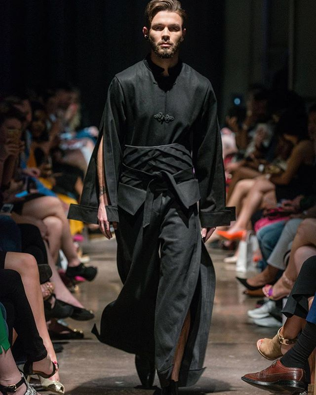 COVERALL WITH OBO BELT. VEHEMENT SS17 AT ENVISION SPRING 2017. @jlrsn @ignitemodels #FOF #FORMOVERFUNCTION #UNISEX #ONESEX #TEXTURE #FASHION #DESIGN #RTW #DESIGNER #VEHEMENT #SS17 #mnfashionweek #design