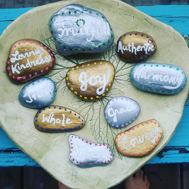 Fun summer garden art project! Painted words on rocks, qualities I'd like to invite more of into my life.  Placed in the garden to nurture and grow. 💛 Fun to do if you have kiddies around. ☺ . . . . . . . . . #art #artstudio #artproject #fun #craft