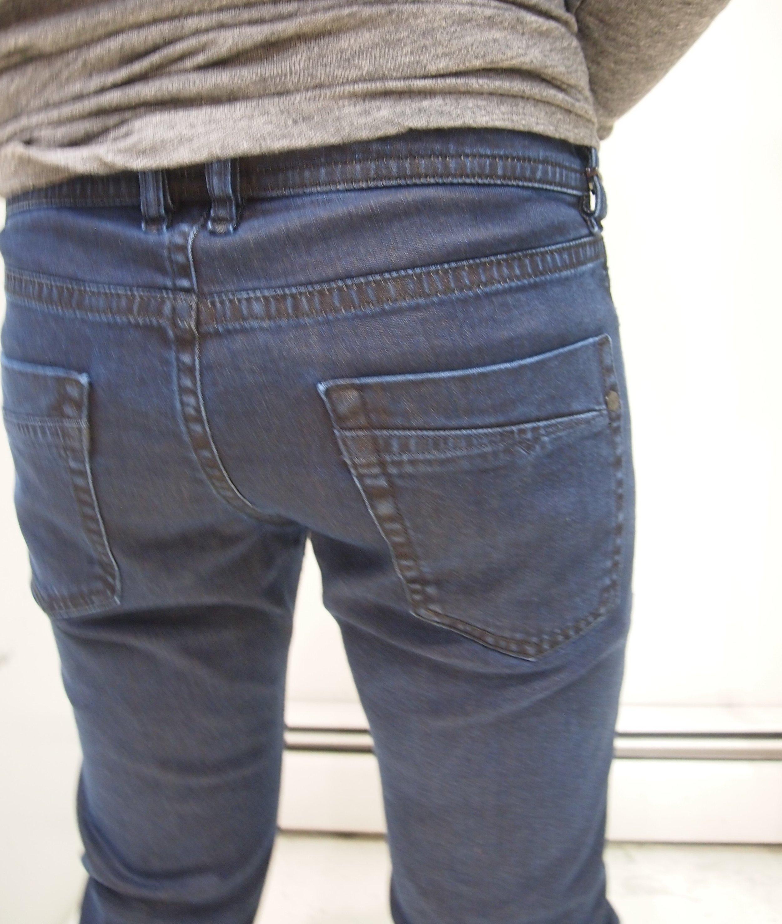 22e12096 Diesel Akee Jeans - 084LC — global atomic designs inc
