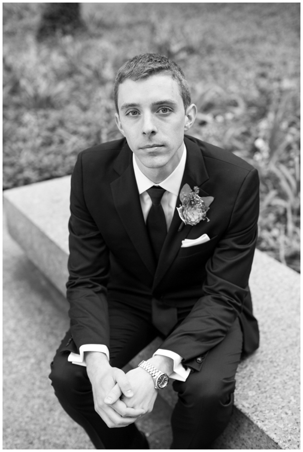 artrevolution-chicago-wedding-candid-portraits-bride-groom-summer-art-institute_0010