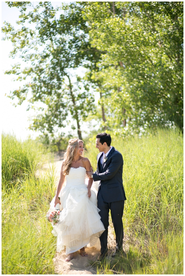 Chicago-vera-wang-wedding-photography-Vivo-rustic-montrose_0001