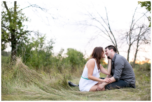 rustic-forest-chicago-midwest-engagement-portraits_0010