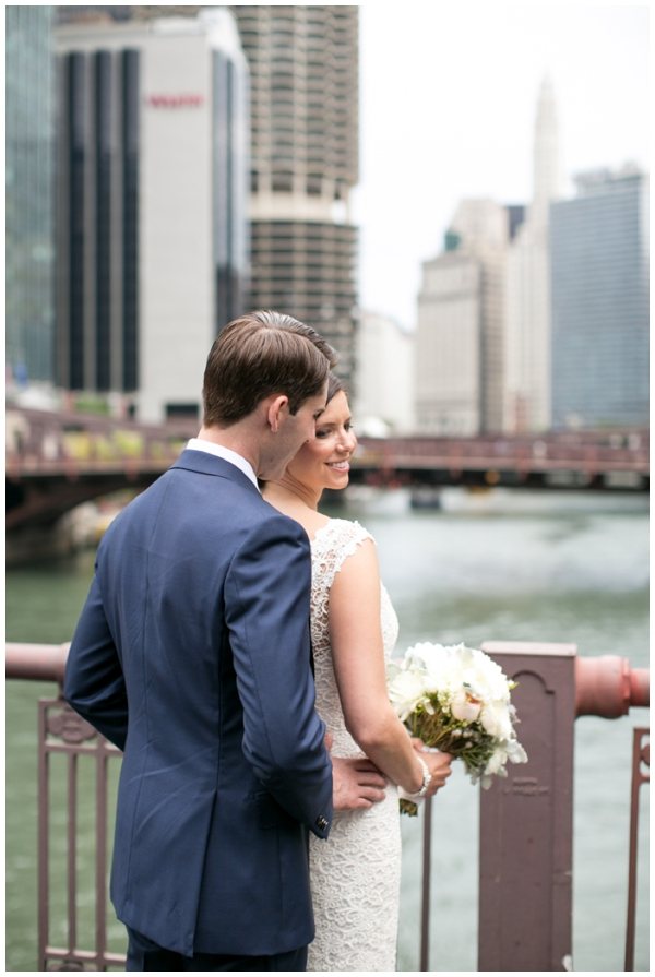salvage one-chicago-wedding-photographer-skyline-rustic-summer-candid_0011
