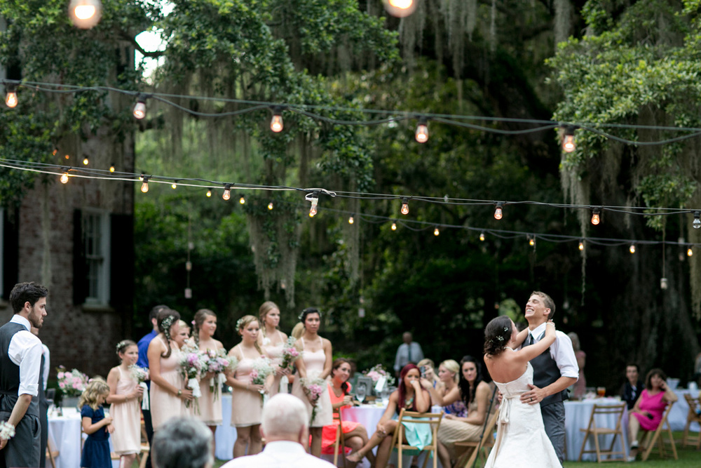 Seattle-wedding-destination-candids-PNW-washington-photojournalistic-documentary-moments-south-carolina-plantation-026.jpg