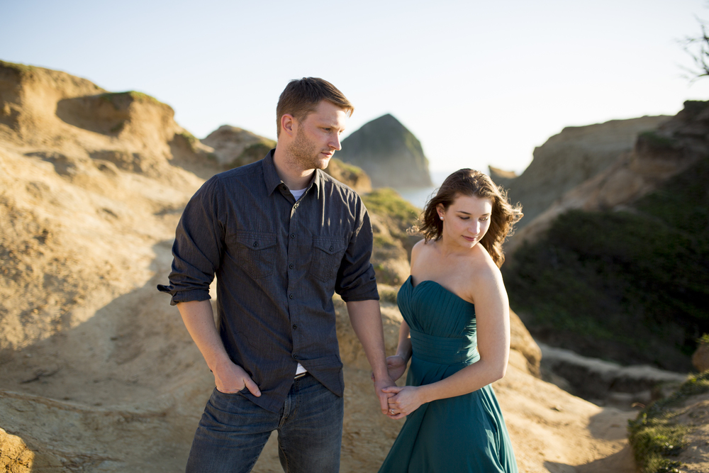 seattle-engagement-cape-kiawanda-oregon-portraits-coast-sunset-0024.jpg