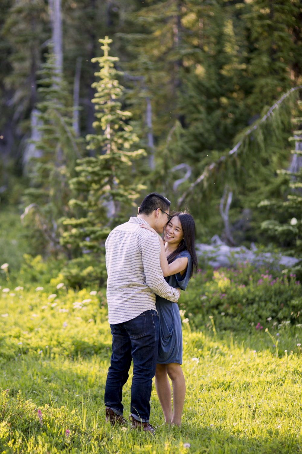 seattle-engagement-rainier-mountains-adventure-008.jpg
