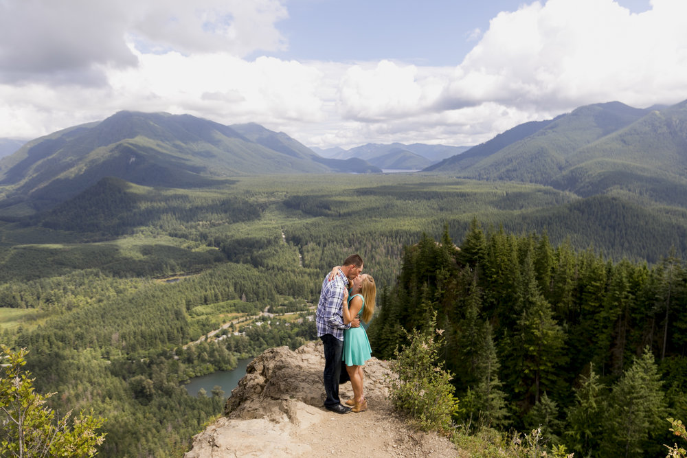 Rattlesnake ledge, seattle, pacific northwest, engagement, snoqualmie, central cascades-001.jpg
