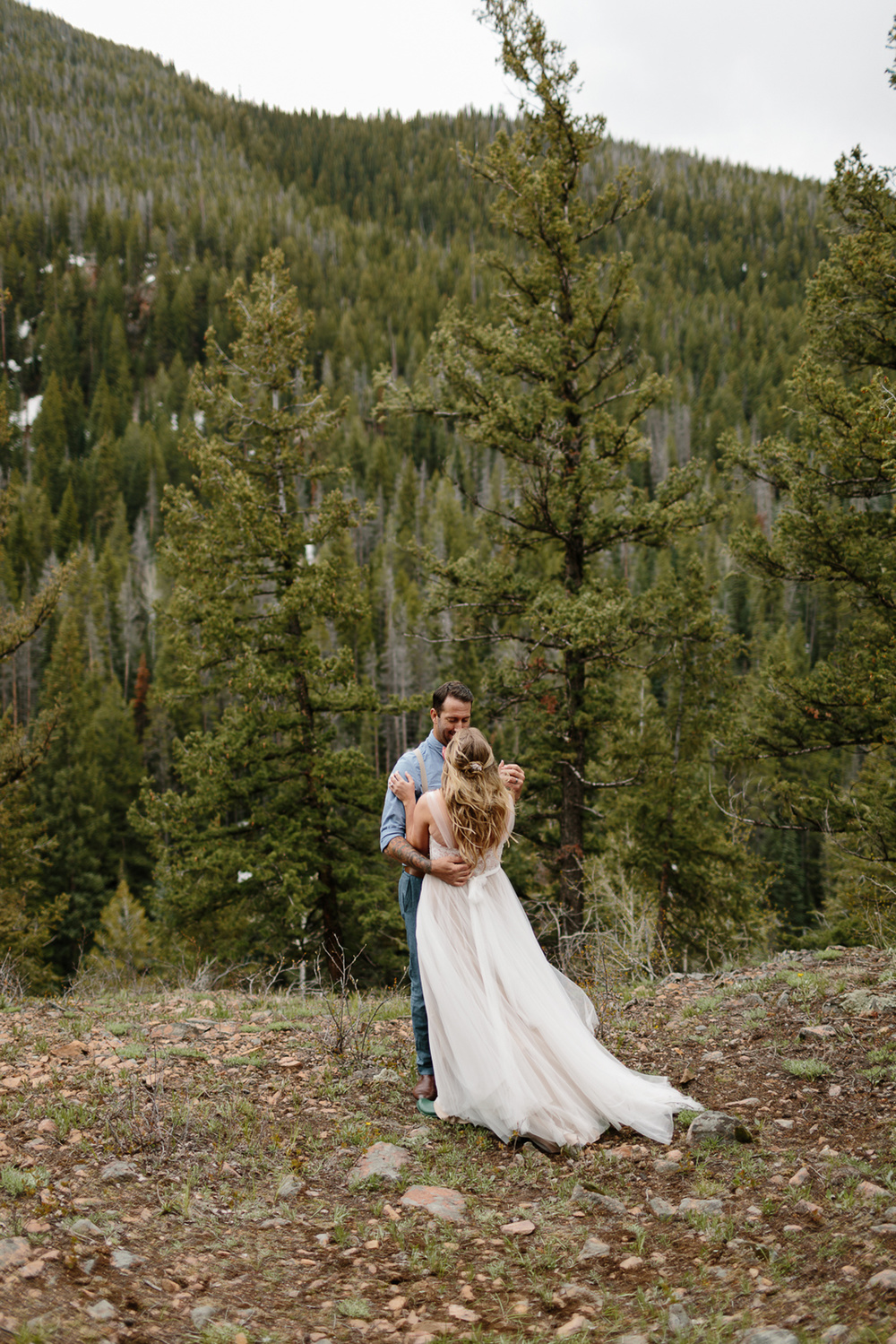 049-vail-elopement-photographer-chris-and-tara.jpg