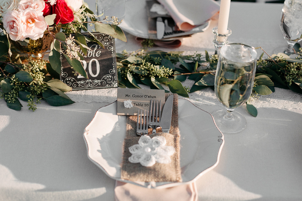152-wiens-ranch-wedding-tablescape.jpg