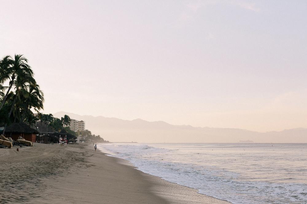 171-puerto-vallarta-beach-sunrise.jpg