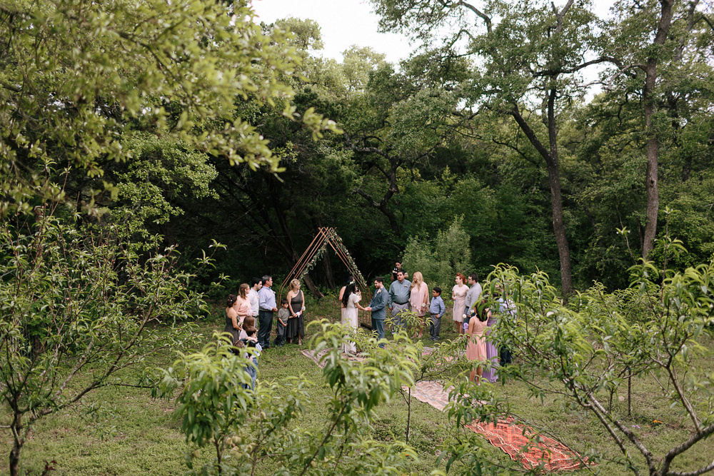 310-wimberley-texas-intimate-backyard-wedding.jpg
