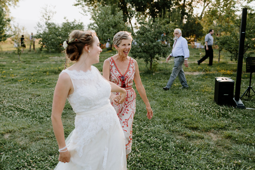 Ya-Ya-Farm-and-Orchard-Wedding-Photographer-00031.jpg