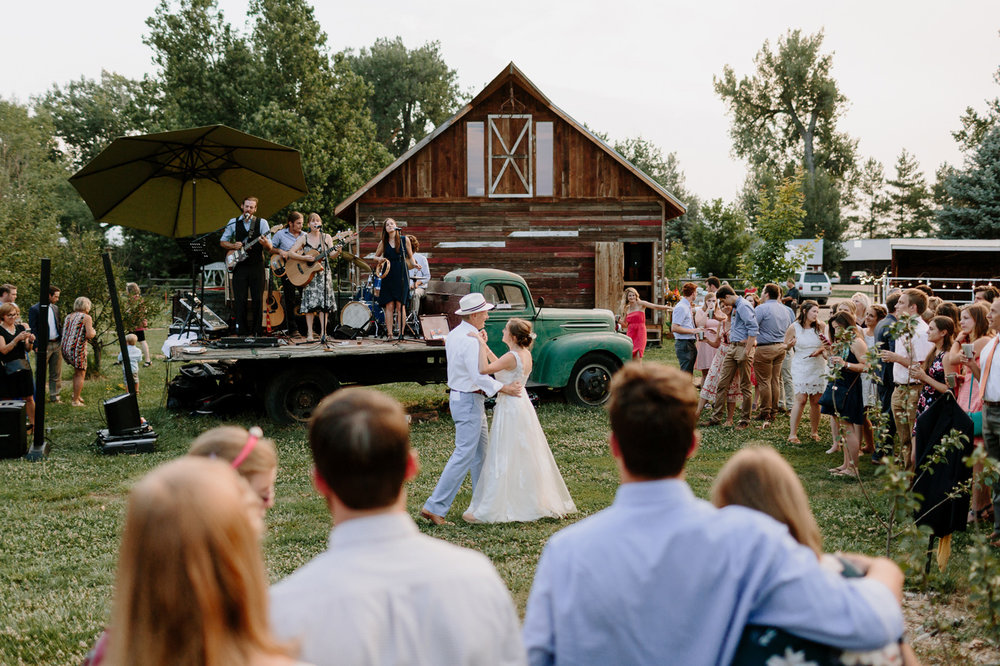 Ya-Ya-Farm-and-Orchard-Wedding-Photographer-00047.jpg