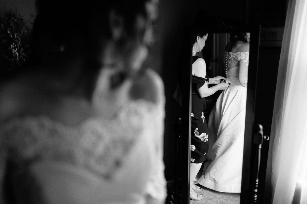 Annapolis-Maryland-Backyard-Wedding-Photographer-Hannah-Houston-19.jpg