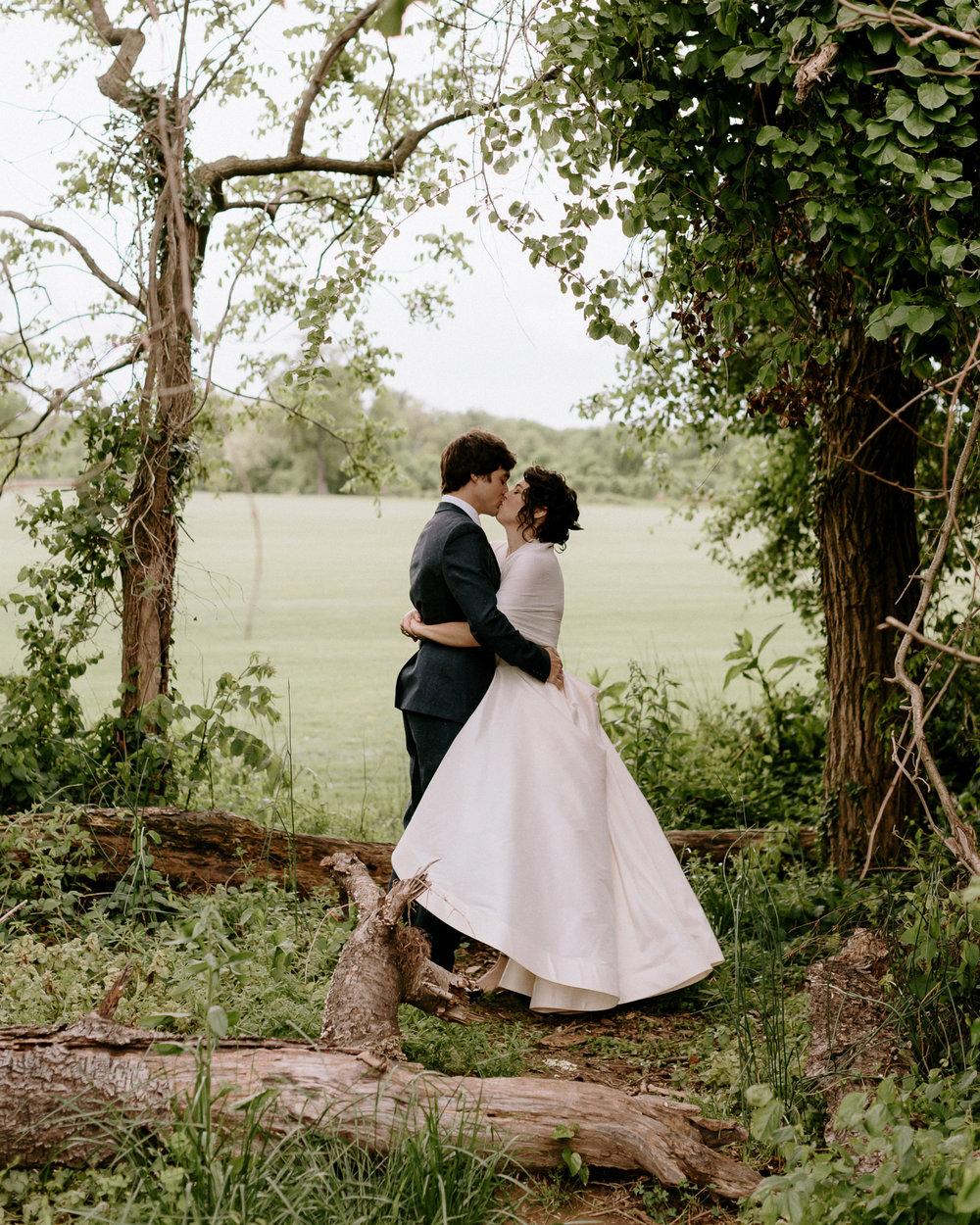 Annapolis-Maryland-Backyard-Wedding-Photographer-Hannah-Houston-65.jpg