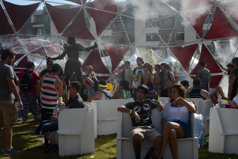 Beating the heat at a daytime music festival