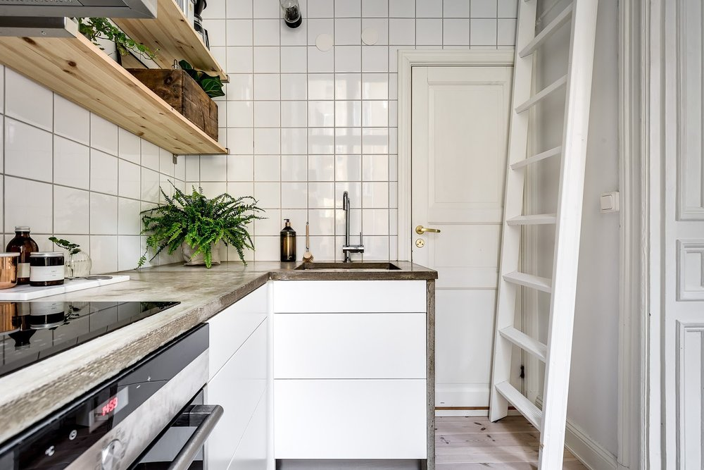 Dormitor deasupra dulapului într-o garsonieră de numai 21 m² 16.jpeg