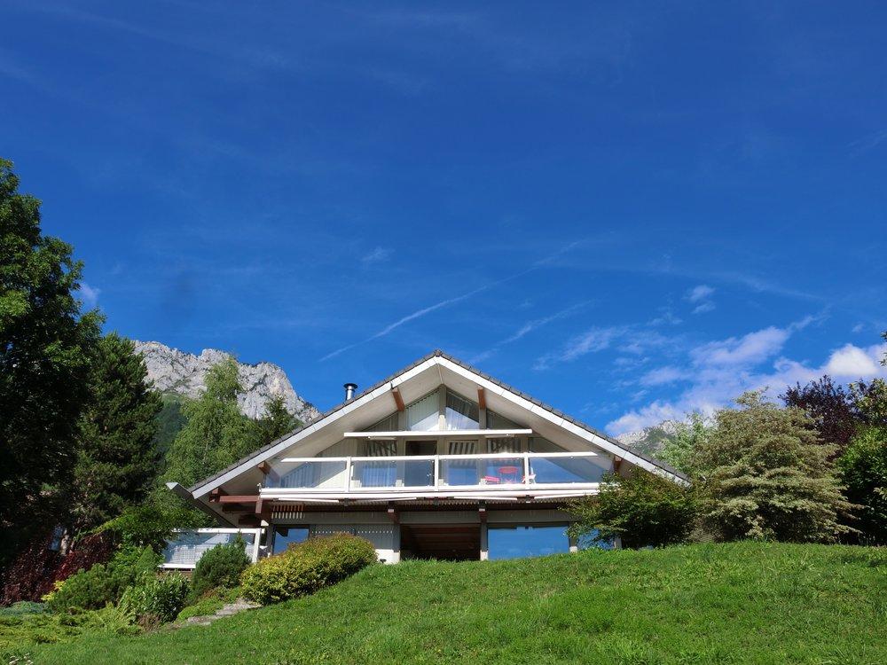 Verel House Summer living.jpg