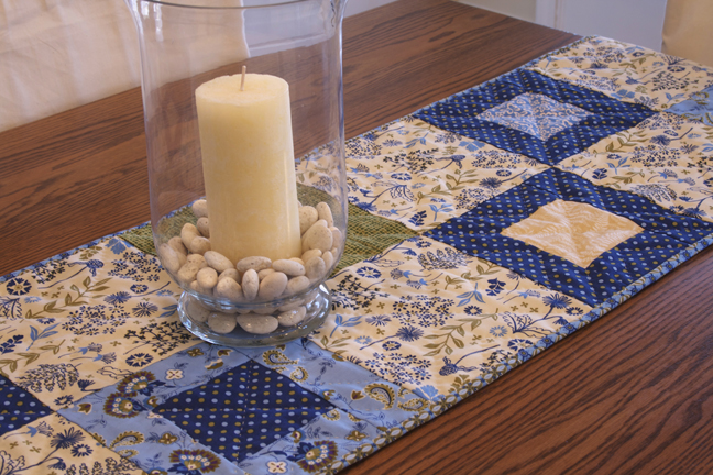 stepping stones table runner 2web