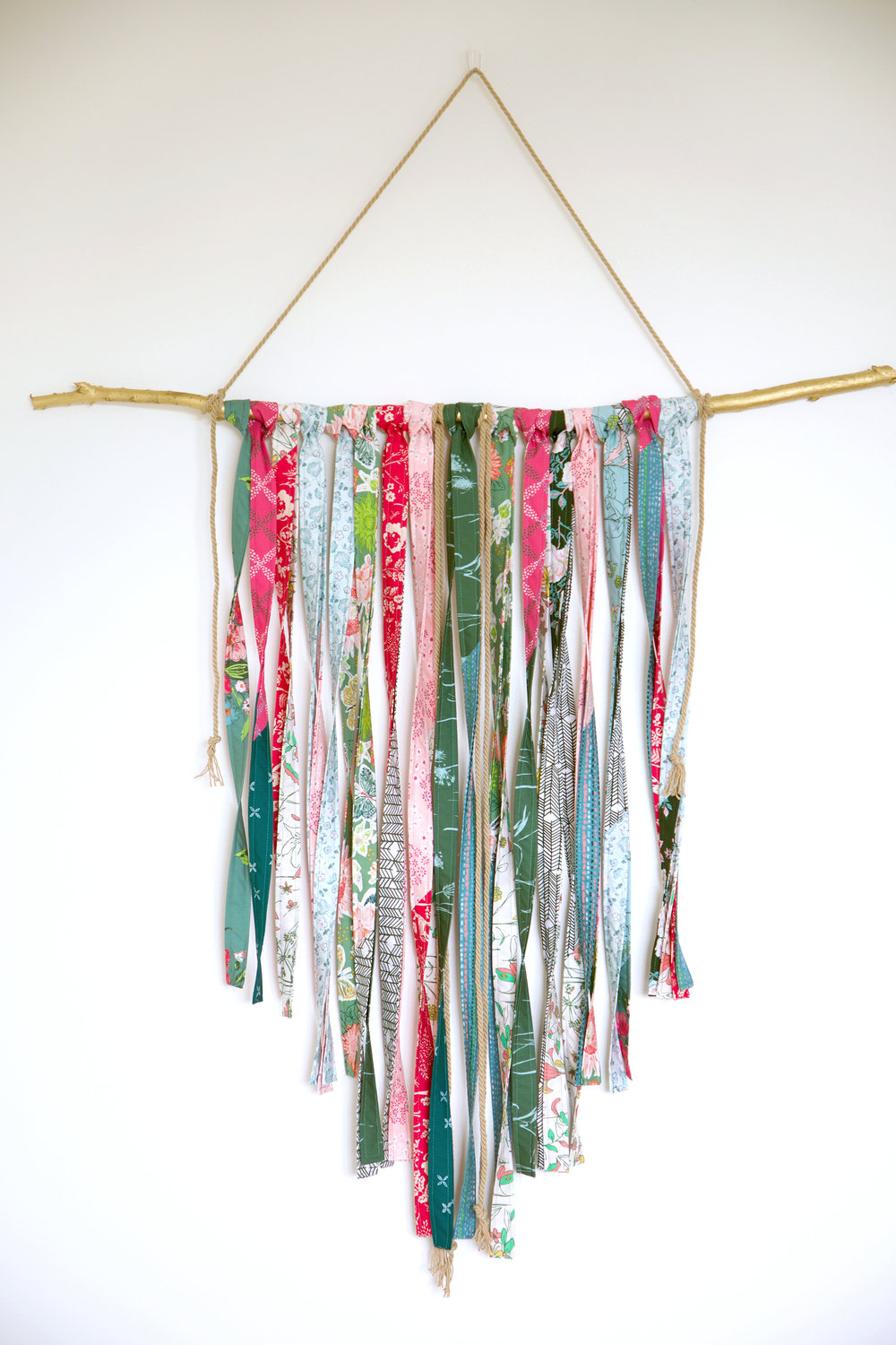 Signature Wallhanging Strips.jpg