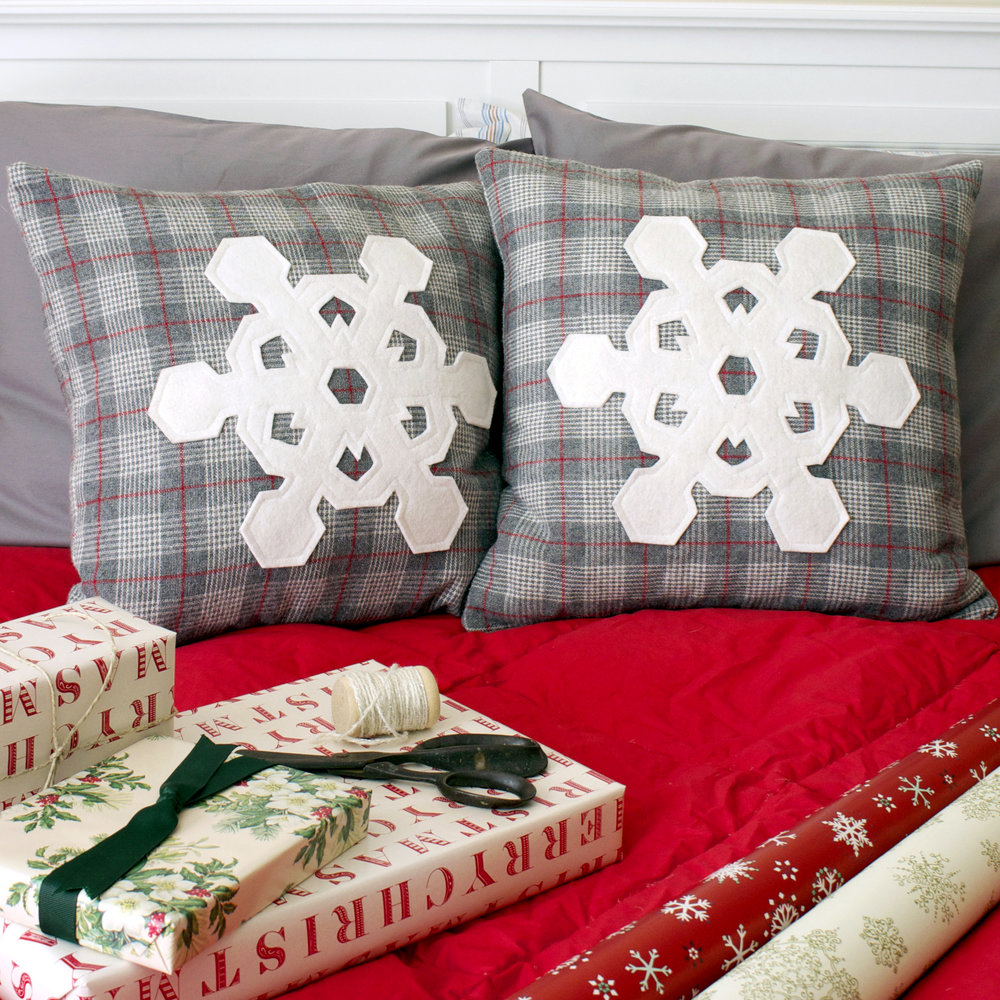 Let It Snow pillow pattern by Sharon Holland