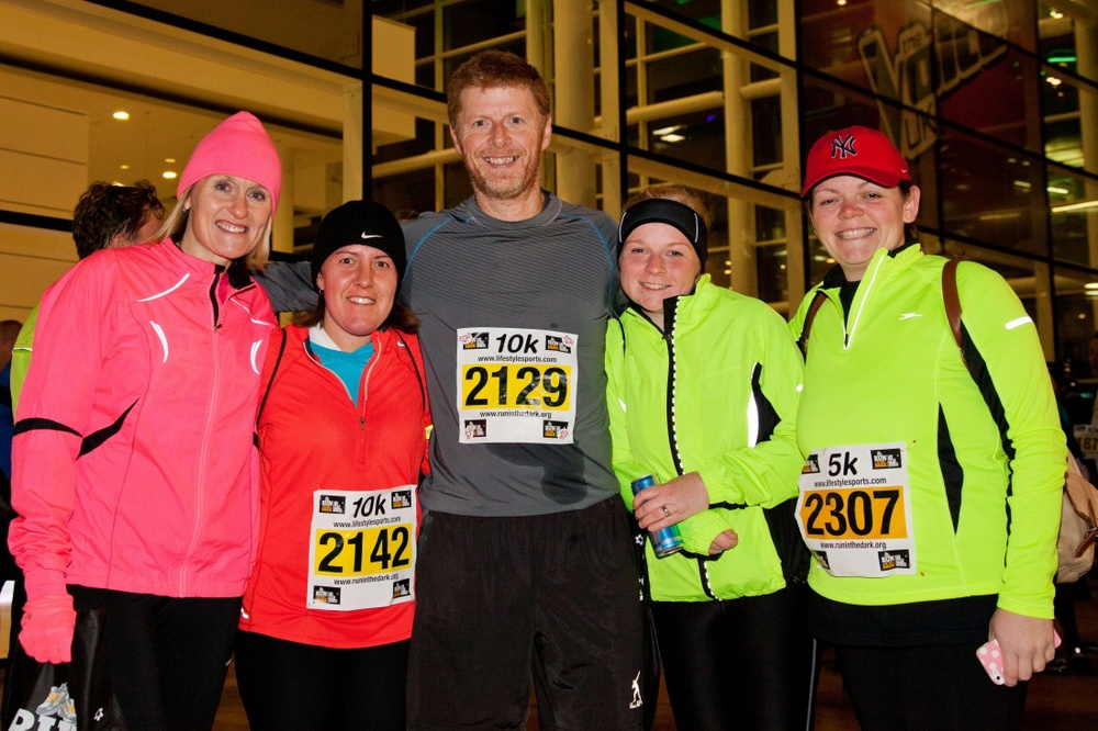 Participants run in Manchester for Mark Pollock | Life Style Sports Run in the Dark | Media City Manchester November 2013 | Mark Pollock Trust | Piers White | runinthedark.org