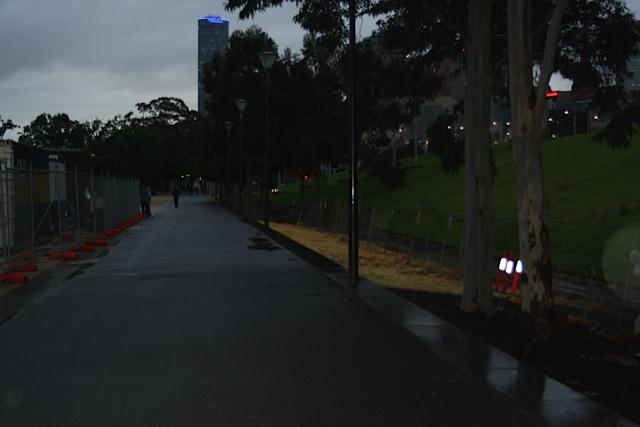 Participants run in Melbournefor Mark Pollock   Life Style Sports Run in the DarkMelbourne  Mark Pollock Trust   Piers White   runinthedark.org