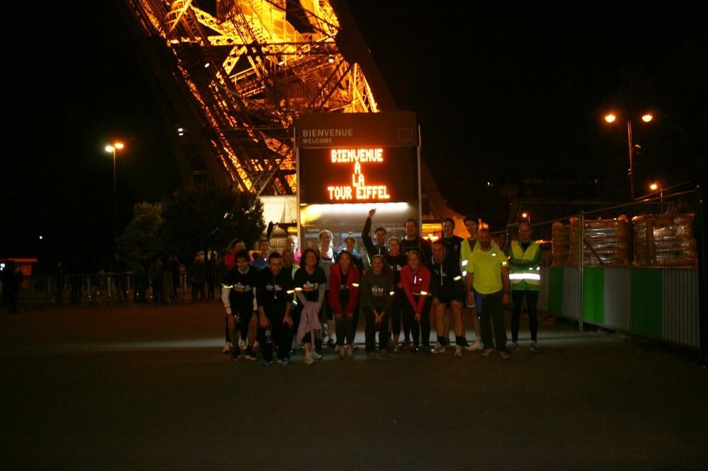 Participants run in Paris for Mark Pollock | Life Style Sports Run in the DarkParis | Mark Pollock Trust | Piers White | runinthedark.org