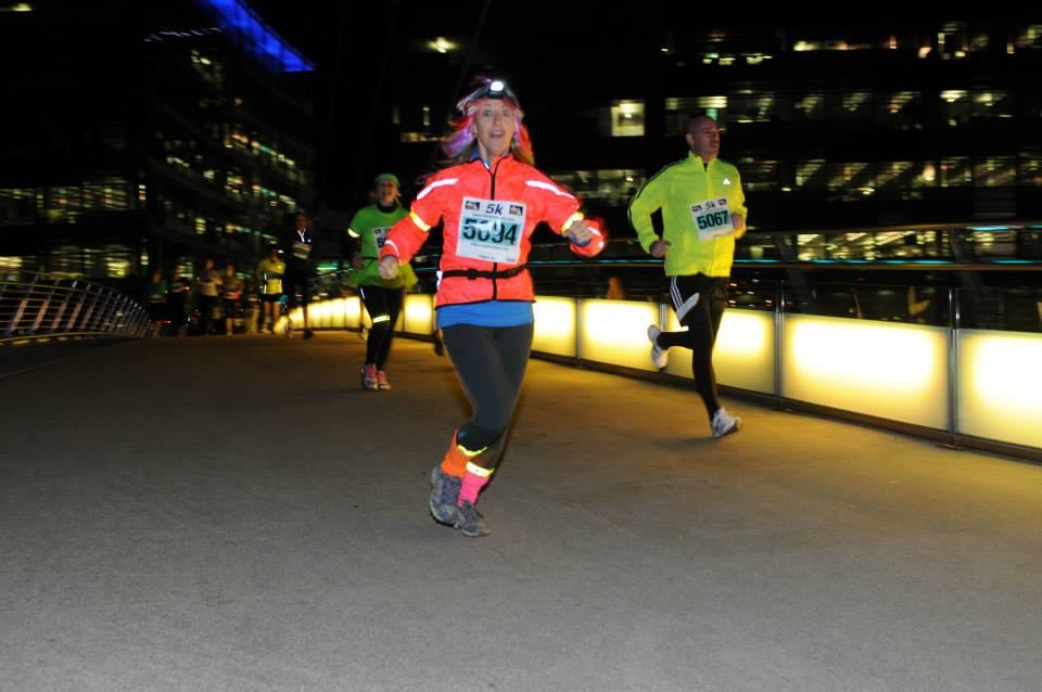 Supporters Run in Manchester for Mark Pollock | Run Manchester Media City 2014 | Run in the dark Manchester 2014 | Run for mark | Created by Piers White | runinthedark.org