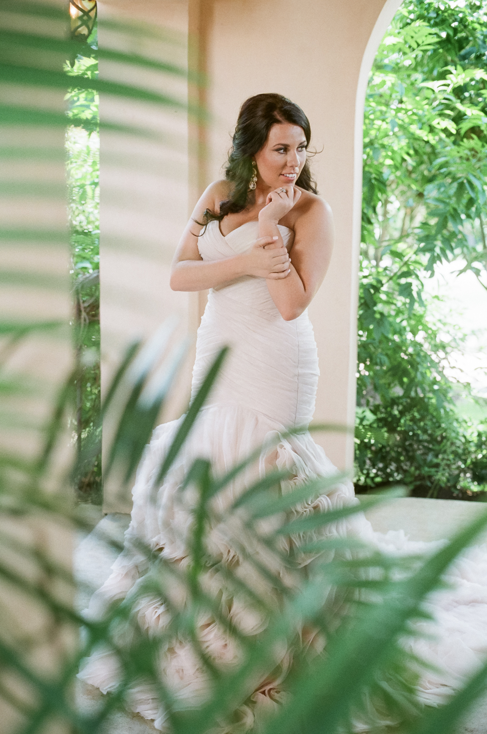 houston-bridal-session-film-photographer-white-bouquet-college-park-flowers-christine-gosch-09.jpg