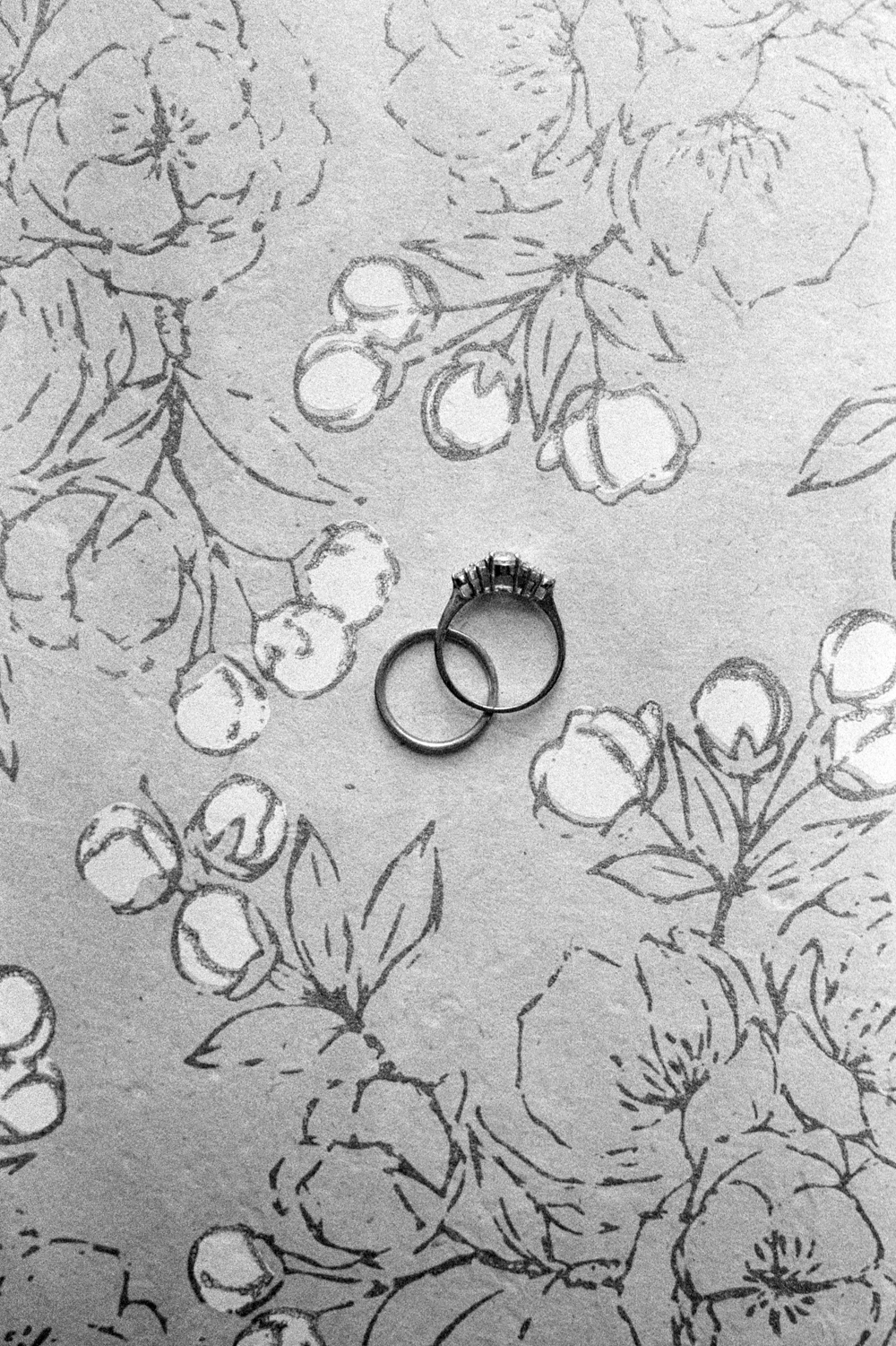 wedding-details-rings-bands-christine-gosch-film-photographer-black-and-white-houston-texas-wedding-venue-35mm-photography-fine-art-8.jpg