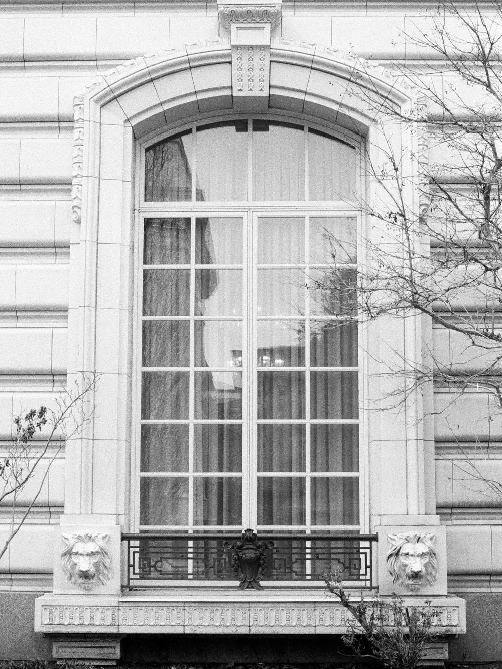 Christine-gosch-utah-film-photographer-destination-photographer-delta-3200-black-and-white-8.jpg